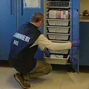 Carabinieri NAS durante un'attività ispettiva presso un centro di salute mentale