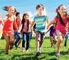 Immagine di bambini che corrono