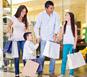 Famiglia in shopping